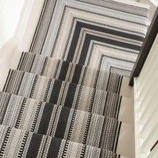 tapis dans un escalier luxembourg